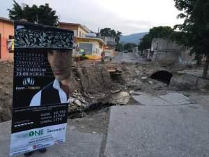 Protestas de habitantes que reclaman construcción de obras de drenaje y pavimentación. Foto: Cortesía