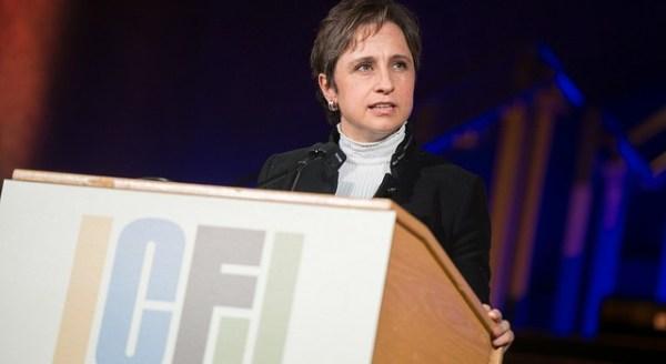 """""""Poderes y gobernantes siguen cortando lenguas. Nuestro país es considerado el más peligroso para ejercer el periodismo en toda América"""", señaló Carmen Aristegui el recibir el premio Knight que entrega el Centro Internacional Para Periodistas (ICFJ, por sus siglas en inglés). 14 de noviembre de 2016."""