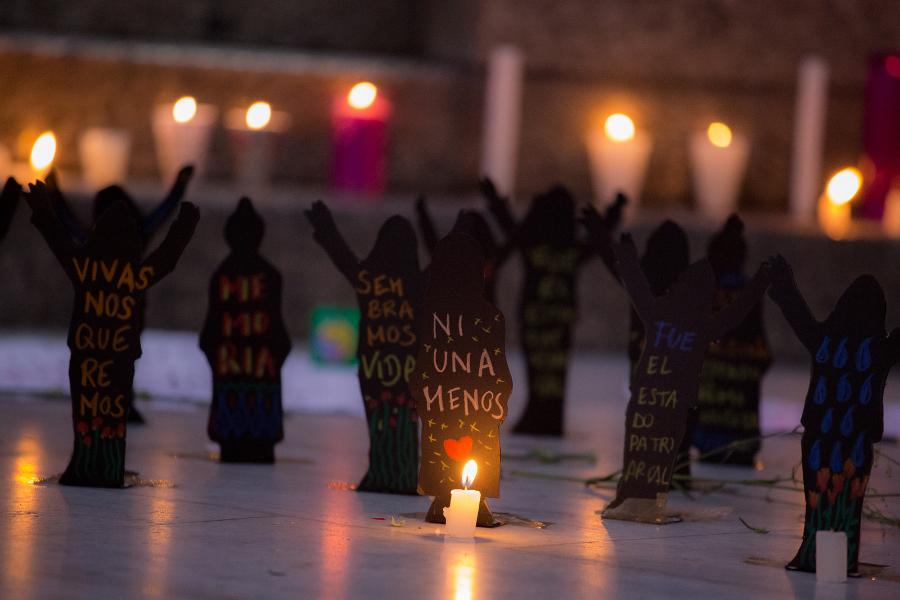 <a class=&quot;amazingslider-posttitle-link&quot; href=&quot;http://www.chiapasparalelo.com/noticias/nacional/2017/03/en-riesgo-de-nuevos-abusos-ninas-sobrevivientes-del-hogar-seguro/&quot;>En riesgo de nuevos abusos, niñas sobrevivientes del Hogar Seguro</a>