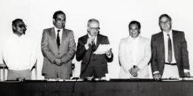 Patrocinio Gónzalez Garrido en lectura de un documento.  Foto - Cimsur-UNAM - 1986