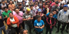 Cientos de migrantes se continúan concentrado en la frontera de México con Guatemala. Foto: Isaín Mandujano