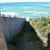 Un escalier pour aller à la plage