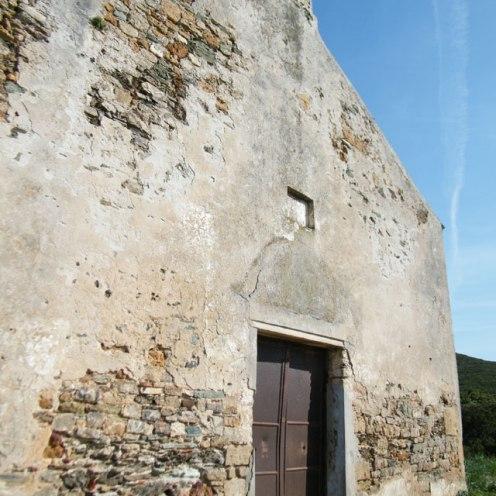 La façade de la chapelle.