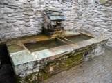 Une petite fontaine dans le village