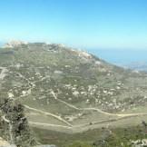 En face, Capu d'Occi. En bas, la chapelle