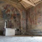 Fresques dans la chapelle San Tomasgiu