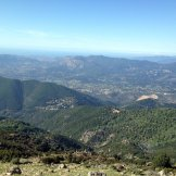 Au sommet on aperçoit le Monte Gozzi