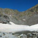 Un lac encore gelé