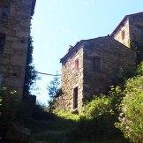 Les maisons sont en ruines