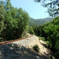 On rejoint la voie de chemin de fer
