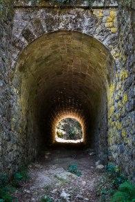 Sous le pont en pierres