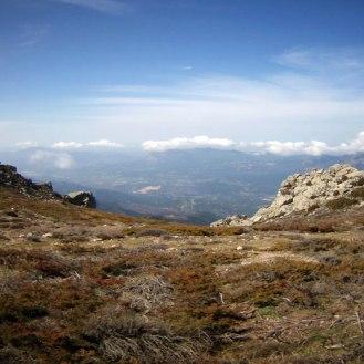 On voit le Monte Gozzi au fond