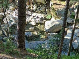 La rivière offre de beaux coins de barbotage