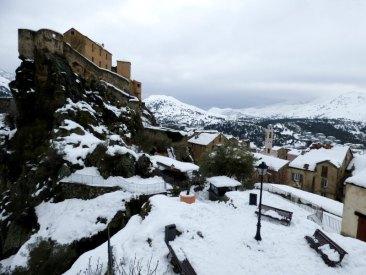La citadelle de Corte sous la neige