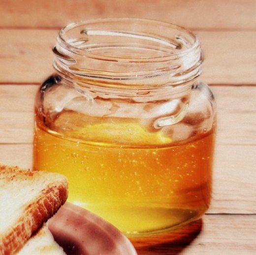 Mierea. Remedii pentru părul uscat