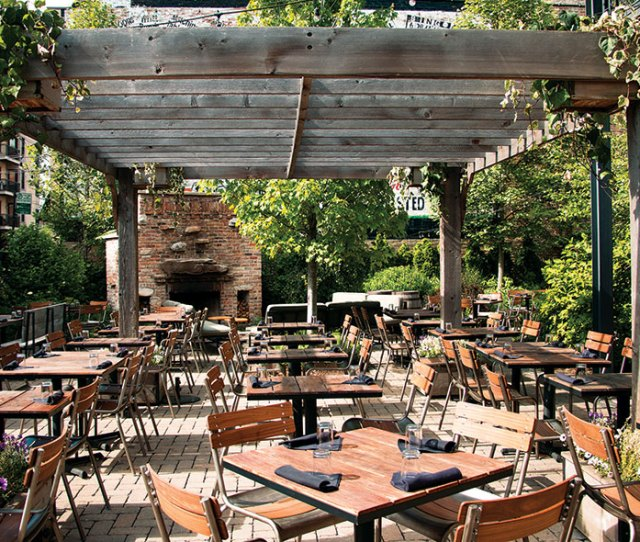 With  Seats This Patio Has A Dedicated Outdoor Bar That Helps With The Rush Sit On Fireside Couches And Order Large Formattails Or A Round