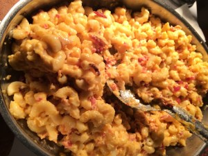 smoked-gouda-bacon-mac-and-cheese-chicagofoodgirl