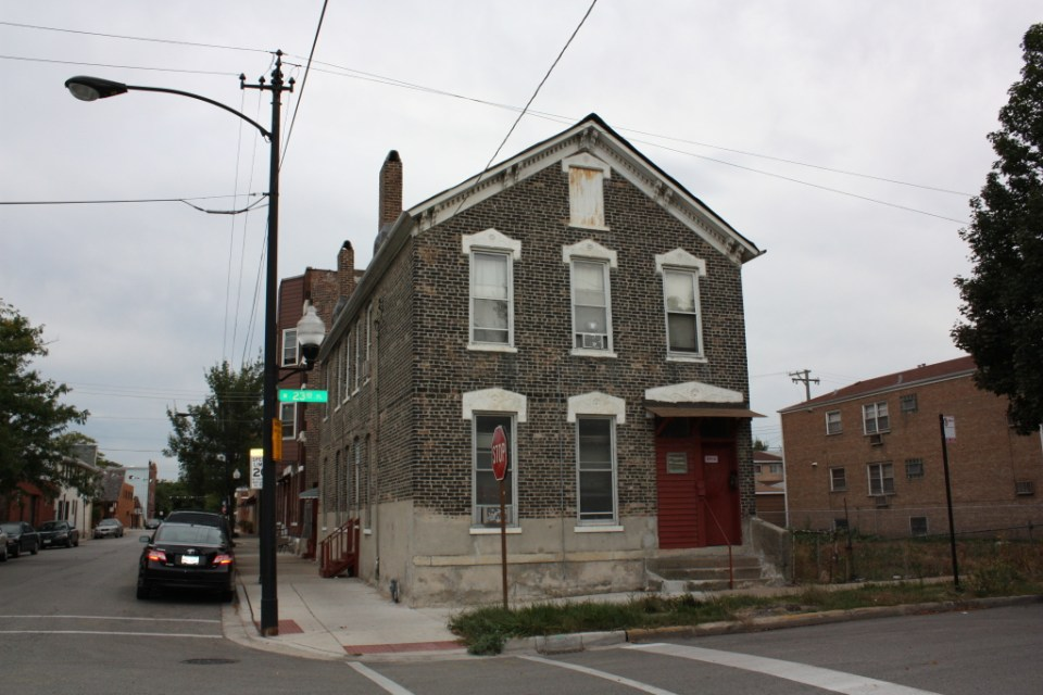 301 W 23rd Place