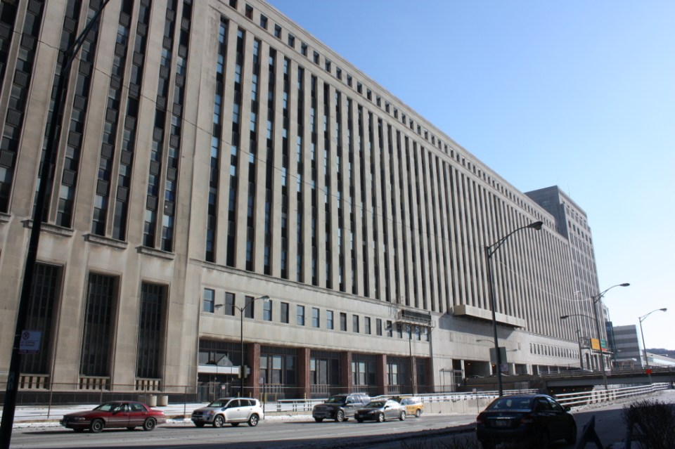 Old Chicago Main Post Office at 427 W Van Buren by Graham, Anderson, Probst and White circa1930s in a combined Art Deco/Classical Revival style.