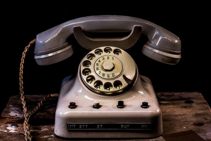 日本語サポートは電話でも可能
