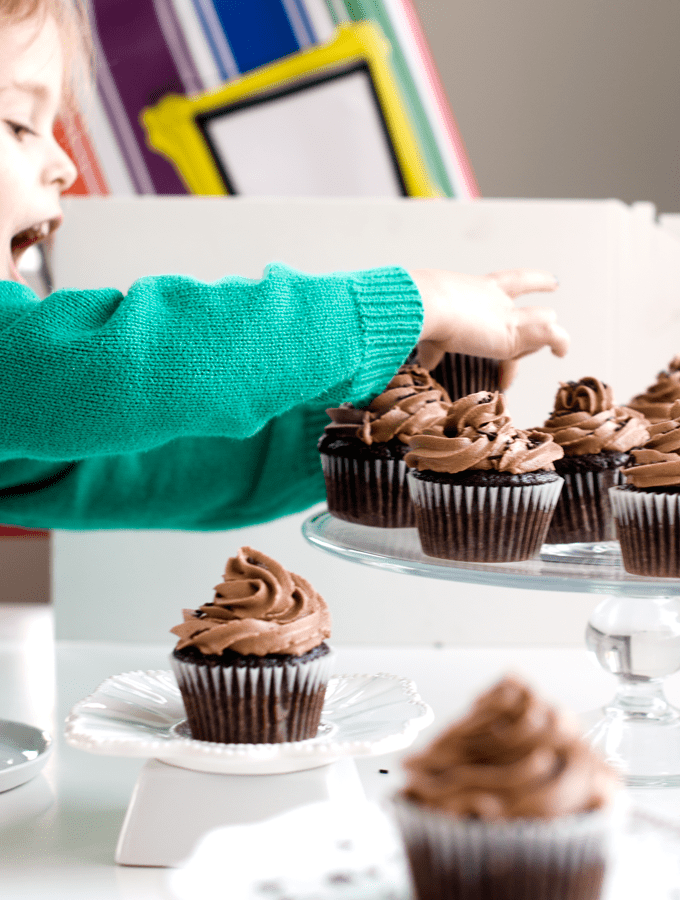 chocolate_cupcakes_with_nutella_frosting_8