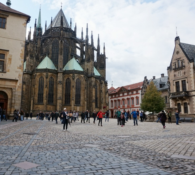 things to do in prague, st vitus cathedral