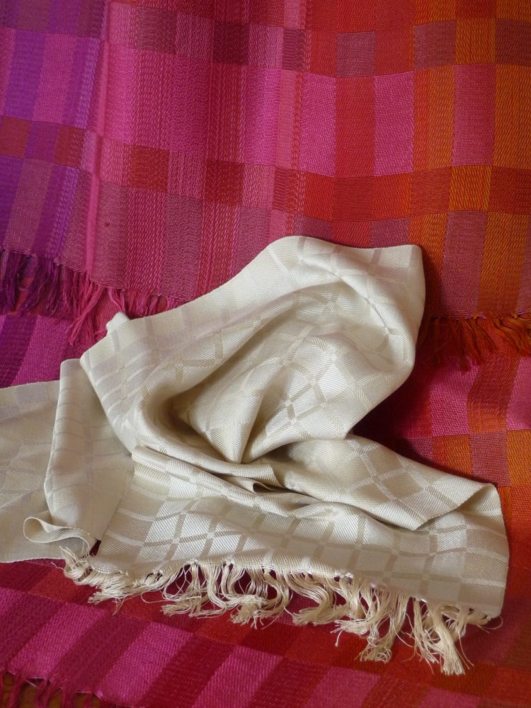 Sik scarves 2018 - Handwoven silk