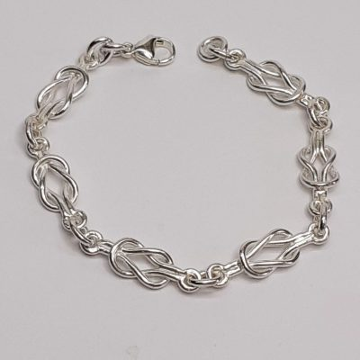 True lovers knot - Silver - 7.5 inch bracelet - by Janet Woods-Lennon