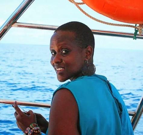Biche headed to Kisite Island in Kisite-Mpunguti Marine Park and Reserve, Kenya