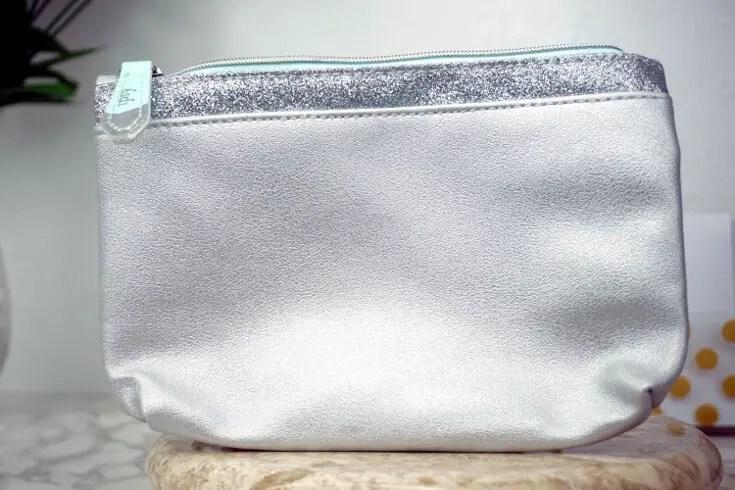 Ipsy Reviews December 2017 Ipsy Glam Bag   Glam Bag Makeup Bag   Chiclypoised