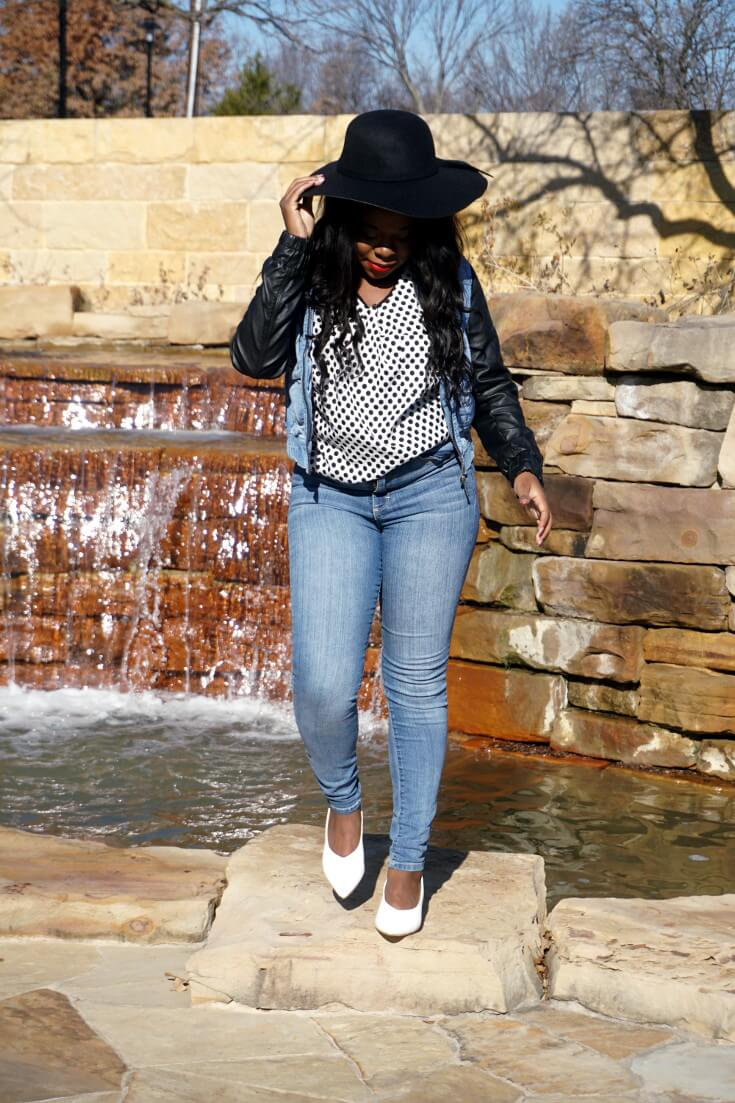 How To Wear Tight Jeans With White Kitten Heels | Pointy Toe White Kitten Heels | Chiclypoised.com