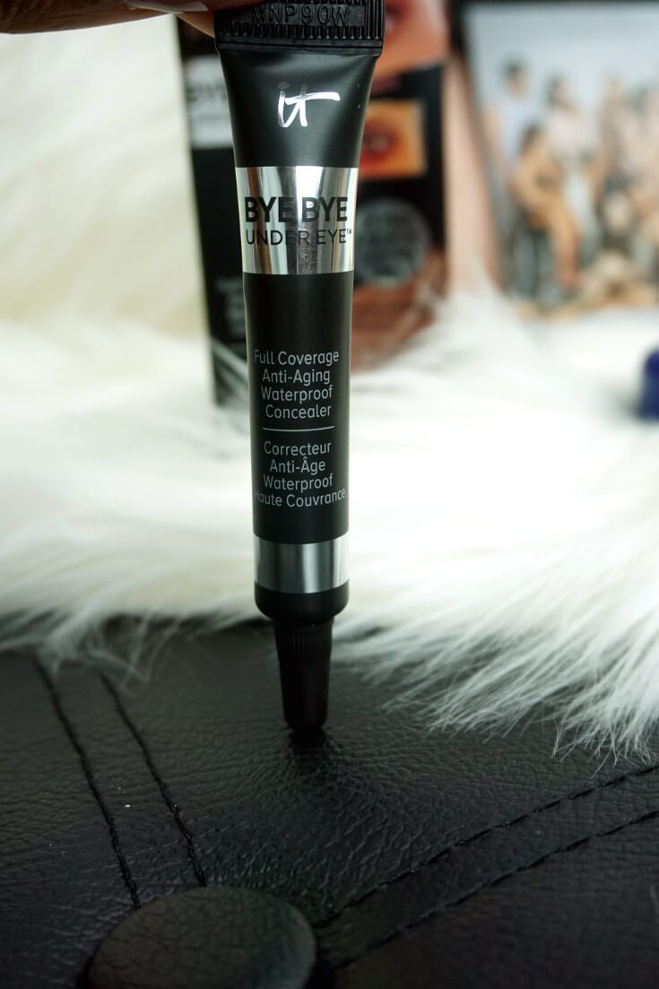 It Cosmetics Bye Bye Under Eye in Warm Deep | Chiclypoised.com