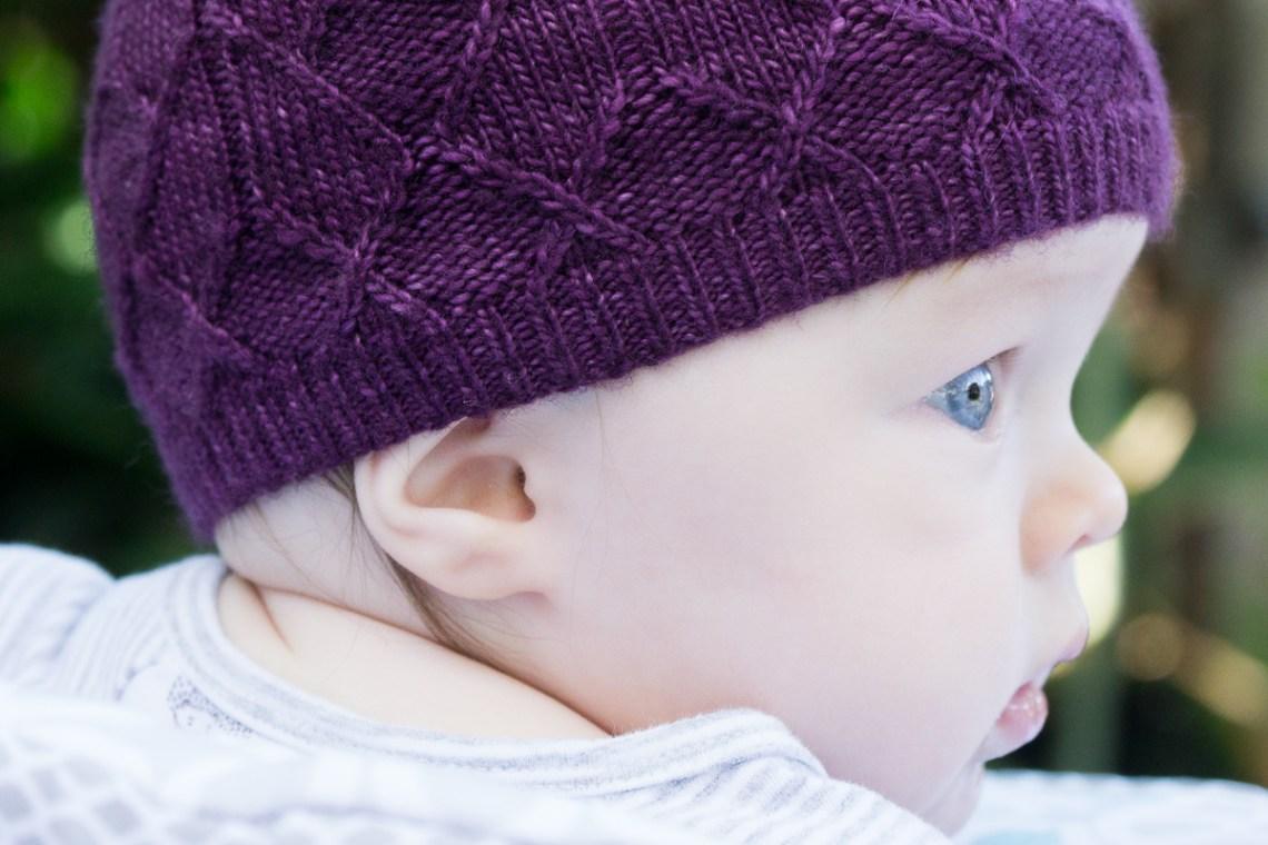 Close up of Sérac hat cast on edge