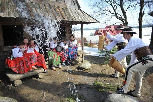 Wet Monday in Poland | Śmigus-Dyngus | Tradition in Poland
