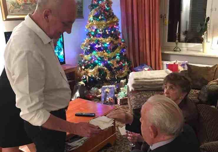 Does Mail Run On Christmas Eve.Polish Christmas Traditions What Poles Do On Christmas Eve