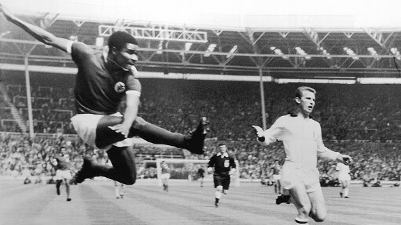 Portugal soccer icon Eusebio dies at 71