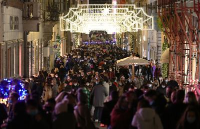 NEWS /Il Governo valuta nuova stretta tra Natale e Capodanno.