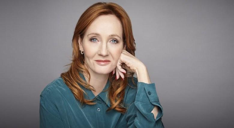 """NEWS / CULTURA / """"Il maialino di Natale"""", ecco il nuovo libro di J. K. Rowling"""