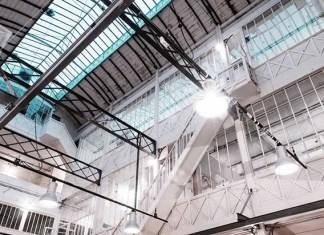 Die Kid Paris hat ihre Heimat im Zentrum von Paris gefunden, in einer alten Luftballohfabriek, der Espace Montgolfière