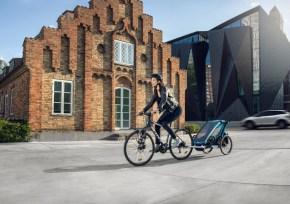 """Die neue Generation des vielfach verkauften multifunktionellen """"Chariot""""-Carriers von thule bietet für aktive Eltern mit Kindern das optimale Sportgerät."""