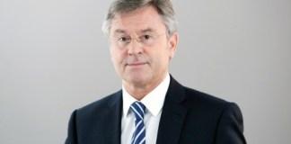 Siegfried Jacobs spricht für den BDSE