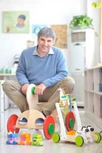 Peter Handstein, CEO von Hape, baut nicht nur Spielzeuge, sondern auch seine Unternehmensgruppe um