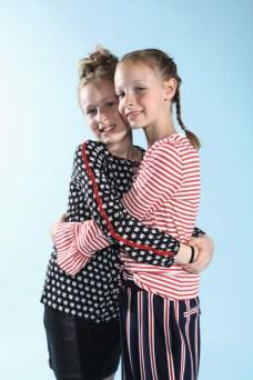 Leni und Elly mit Leni mit Soneone Kids und Elly mit Indian Blue Jeans beim Childhood-Business-Shooting auf der Kids Now im Sommer 2018