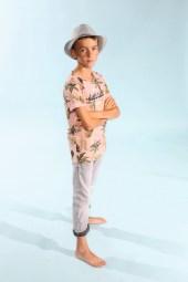 Henry mit Indian Blue Jeans, Blue Effect und Mütze von Maximo beim Childhood-Business-Shooting auf der Kids Now im Sommer 2018