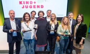 Stolze Preisträger: Die Gewinner nach der Ehrung im letzten Jahr, damals noch mit der ehemaligen Koelnmesse-Geschäftsführerin Katharina C. Hamma.