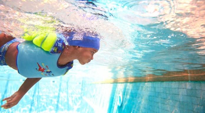 Wasserratten aufgepasst: Zoggs zeigt neue Produkte zum Schwimmenlernen und -trainieren.