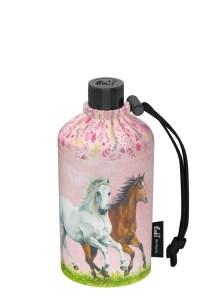Verfügbarkeit des Pferdefreunde-Designs: 0,3l Flasche - 17,90 Euro UVP 0,4l Flasche (normal und Weithals) - 18,90 Euro UVP 0,6l Flasche - 20,90 Euro UVP
