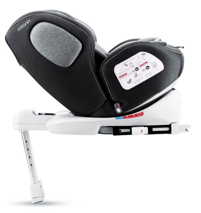 """Der Autositz """"One360"""" von Osann lässt sich zum besseren Einstieg um 360 Grad drehen."""