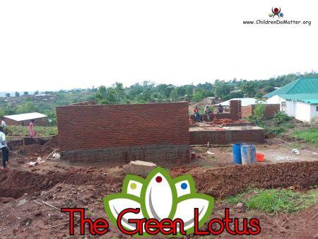 costruzione dell'orfanotrofio casa di accoglienza the green lotus a blantyre malawi - children do matter - 10