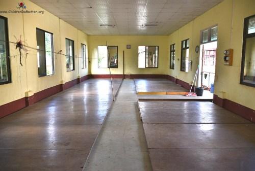 dormitori puliti disinfettati orfanotrofio sasana birmania - children do matter